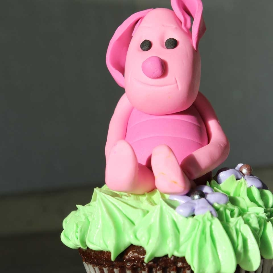 Invermere Bakery - Cupcakes - Piglet