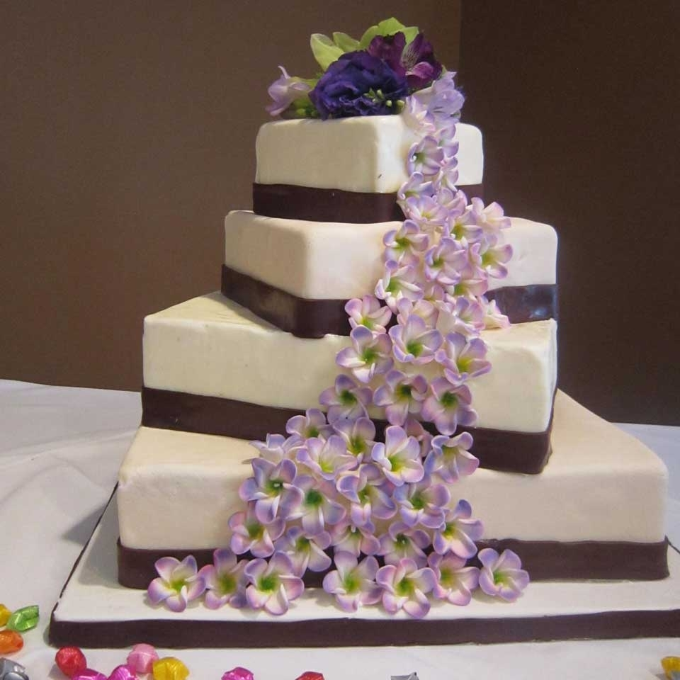 Pics Of Wedding Cakes: The Invermere Bakery